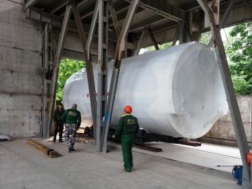 Транспортирование большого газового котла для новой котельной