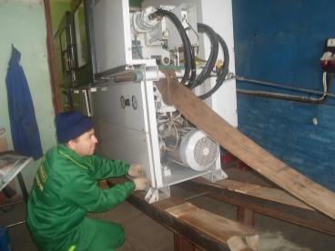 Внос термопластавтоматов через окно
